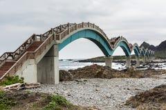 Berömd bro på Sanxiantai Arkivfoton