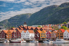 Berömd Bryggen gata i Bergen, UNESCOvärldsarv, Norge Arkivbilder