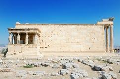 Berömd cariathidestempel i akropolen, Aten, Grekland Royaltyfri Bild
