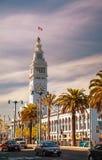 Berömd färjabyggnad på April 24, 2014 i San Francisco, Calif Royaltyfri Fotografi