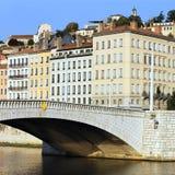 berömd forntida bro Arkivbild