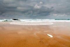 Berömd Guincho strand i Cascais nära Lisbon Royaltyfri Bild