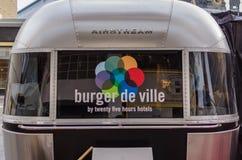 Berömd hamburgarede ville ställning i Berlin Royaltyfri Bild