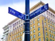 Berömd historisk Hollywood boulevard- & vinrankagenomskärning, Kalifornien royaltyfria foton