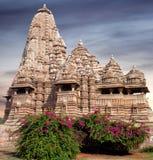 Berömd Kandariya Mahadeva tempel i Khajuraho, Indien Arkivfoto