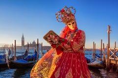 Berömd karneval med härliga maskeringar i Venedig, Italien Arkivfoto