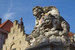Berömd lejonstaue i Bruges Royaltyfri Fotografi