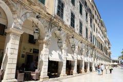 Berömd Liston gata i den Korfu staden Grekland Arkivfoto