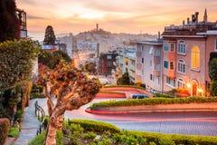 Berömd Lombardgata i San Francisco fotografering för bildbyråer