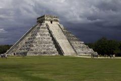 Berömd mayan pyramid Chichen Itza Arkivbilder