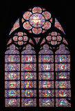 Berömd Notre Dame domkyrkamålat glass Royaltyfria Bilder