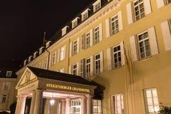 berömd petersberg hotellkoenigswinter Tyskland på natten Fotografering för Bildbyråer