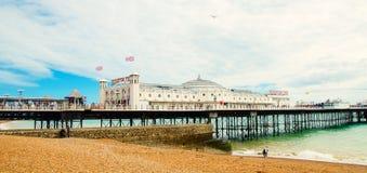 Berömd pir på engelska Brighton fotografering för bildbyråer