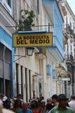 Berömd restaurangstångla bodeguita del medio havannacigarr, Kuba Royaltyfri Fotografi