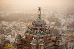 Berömd Rockfort Ucchi Pillayar tempel Arkivfoton