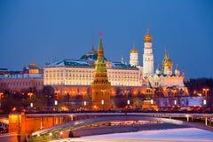 Berömd sikt av Moscow Kremlin Arkivbilder