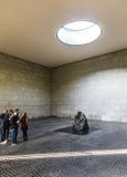 Berömd skulptur från konstnären Kaethe Kollwitz i den Berliner Wacen Arkivfoto