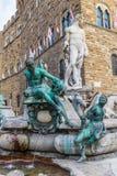Berömd springbrunn av Neptun på piazzadellaen Signoria i Florence royaltyfri bild