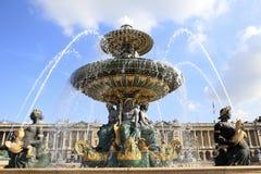 Berömd springbrunn på plats de la Concorde, Paris Fotografering för Bildbyråer