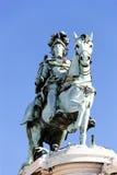 Berömd staty på kommersfyrkant Arkivbild