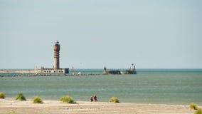 Berömd strand och lightouse i Dunkirk arkivfilmer