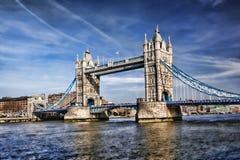 Berömd tornbro i London, England Arkivfoto
