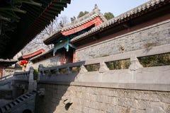 Berömd turist- dragning för Henan Kina ` s, Shaolin tempel, Songshan Fotografering för Bildbyråer