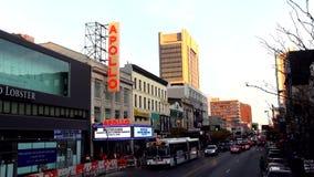 Berömda Apollo Theatre i Harlem New York USA cityscapes arkivfilmer