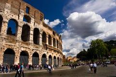 Berömda Colosseum i April 16, 2012 i Rome Italien Royaltyfri Fotografi