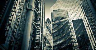 berömda finansiella london för område skysrcapers Arkivbilder