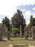 Berömda forntida kolonner fördärvar Arkivfoton