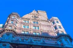 Berömda fyra - stjärnahotell Russell på Russell Square London Arkivbild