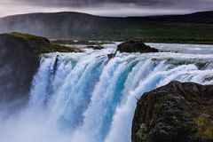 Berömda godafoss är en av de mest härliga vattenfallen på Iet royaltyfri foto