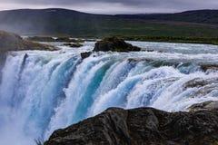 Berömda godafoss är en av de mest härliga vattenfallen på Iet arkivbild