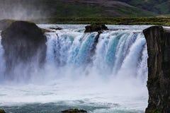 Berömda godafoss är en av de mest härliga vattenfallen på Iet royaltyfria foton