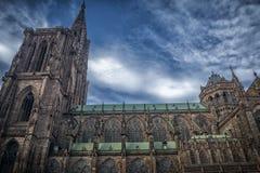Berömda Notre Dame Cathedral i Strasbourg arkivbilder