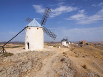Berömda väderkvarnar av Don Quixote i Consuegra, Castile-La Mancha, Toledo, Spanien arkivbild
