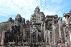 Berömdt Bayon tempel inom Angkor Thom Fotografering för Bildbyråer