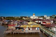 Berömdt bevattna byn av Brunei huvudstadstaden Arkivbilder