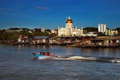 Berömdt bevattna byn av Brunei huvudstadstaden Arkivbild
