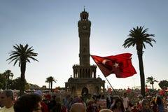 Berömmar av 15 den Juni demokratidagen av Turkiet Royaltyfria Bilder