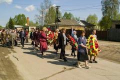 Berömmen av dagen av segern i kriget 1941-1945 i den Kaluga regionen av Ryssland Arkivbilder