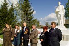 Berömmen av dagen av segern i kriget 1941-1945 i den Kaluga regionen av Ryssland Arkivfoton