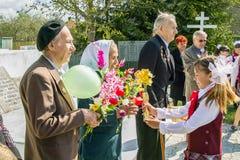 Berömmen av dagen av segern i kriget 1941-1945 i den Kaluga regionen av Ryssland Royaltyfria Bilder