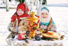 Berömmen av Shrovetide i Ryssland arkivbild