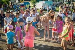 Berömmen av ungdomdagen i den Kaluga regionen i Ryssland på 27 Juni 2016 Arkivbild