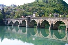 Berühmte alte Brücke Stockfotos