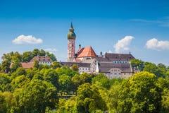 Berühmte Andechs-Abtei im Sommer, Bezirk von Starnberg, Bayern, Deutschland Lizenzfreie Stockfotos