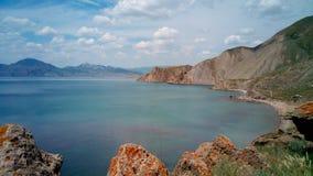 Berühmte Ansichten von Koktebel-Bucht und von Gebirgsgebirgsmassiv Kara-Dag, Krim Stockfotos