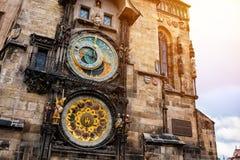 Berühmte astronomische Borduhr in Prag Stockfotos